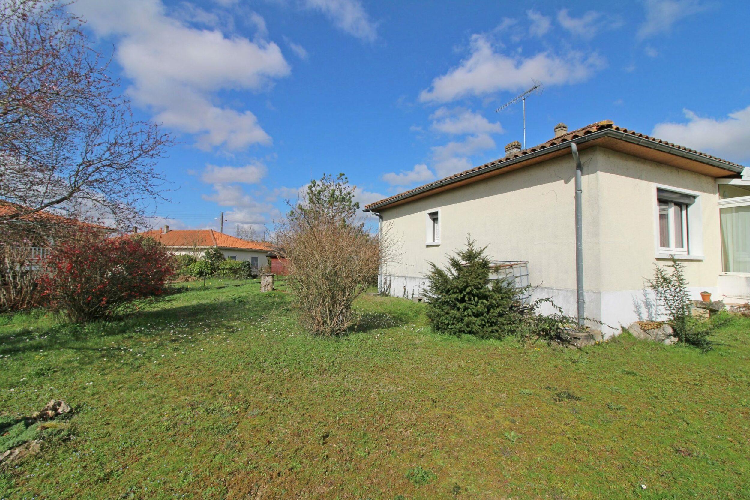 Maison en bon état général – PP 91m² 3 chambres avec garage – Linars